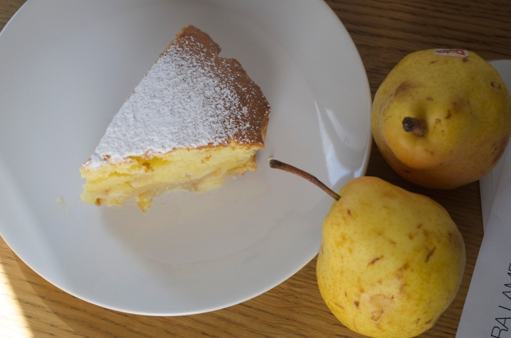 Dark Chocolate and Pears is a classic Italian combination.  But a little experiment of replacing dark chocolate with white resulted in a fantastic cake